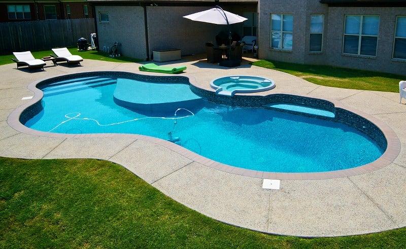 Freeform inground swimming pool