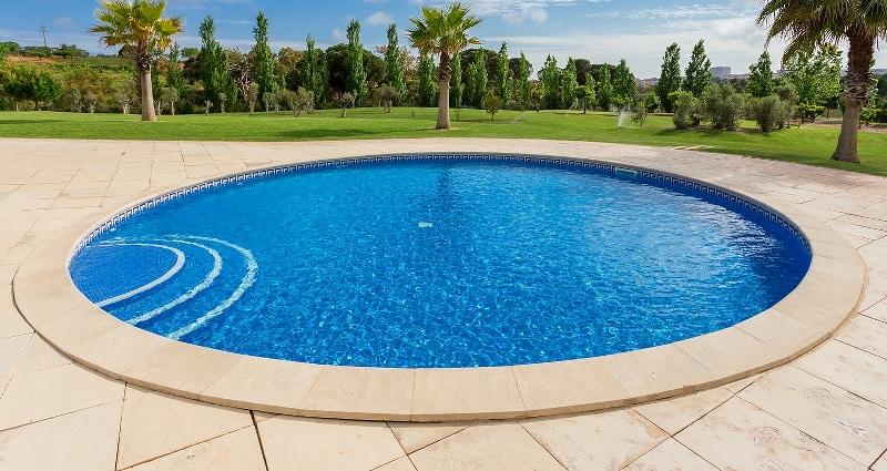 Photo showing a round inground pool